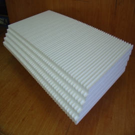 Polystyrene plates and dimension stocks